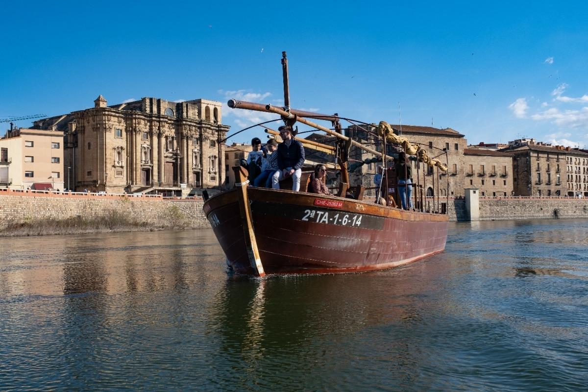 Excursión fluvial en laúd por el Ebro de 1 hora