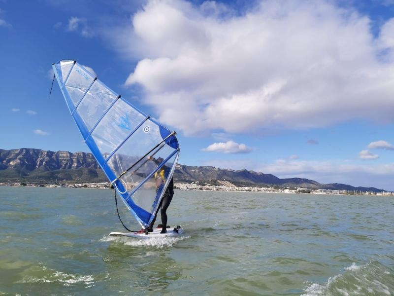 Curso de windsurf semanal infantil