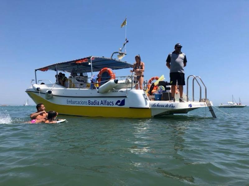 Ruta panorámica en barca por la Bahía dels Alfacs con chapuzón